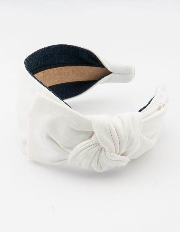 White Side Bow Tie